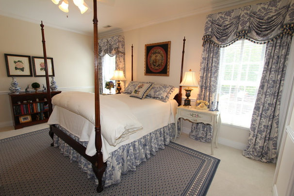 Traditional Bedroom by Interior Makeovers by Annie OCallaghan