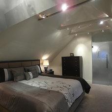 Contemporary Bedroom by 7j DESIGN