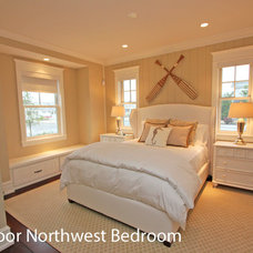 Beach Style Bedroom by Winfield Developers