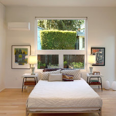 Modern Bedroom by OKB Architecture