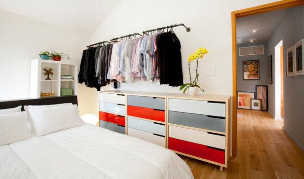 Contemporary Bedroom by ilumus photography & marketing