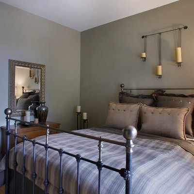 Inspiration for a timeless bedroom remodel in Chicago with gray walls
