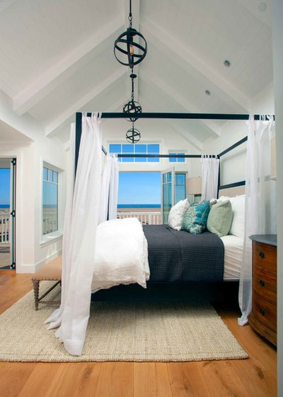 Beach Style Bedroom by Blackband Design