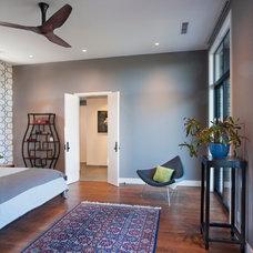 Modern Bedroom by Steinbomer, Bramwell & Vrazel Architects