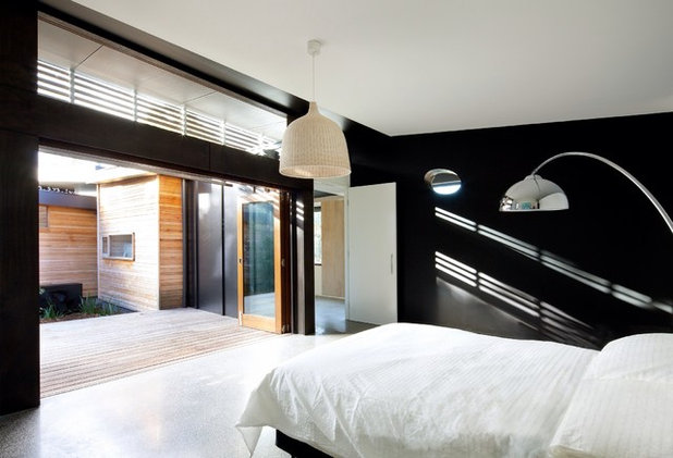 Modern Bedroom by Simon Couchman Architects