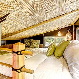 Diseño de dormitorio tipo loft, de estilo zen, pequeño