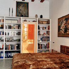 Mediterranean Bedroom by Wortmann Architects
