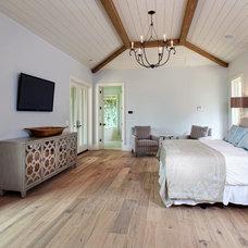 Beach Style Bedroom by William Byrd Custom Homebuilders