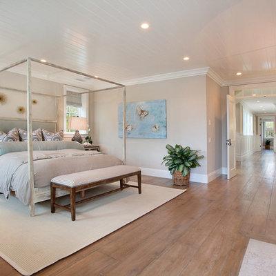 Bedroom - traditional bedroom idea in Orange County with beige walls