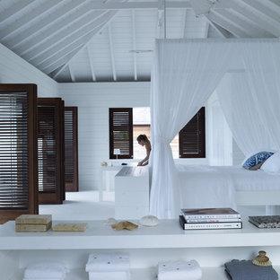 Imagen de dormitorio tropical extra grande