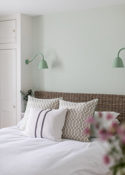 Coastal Bedroom by Wickenden Hutley