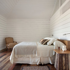 Contemporary Bedroom by Martin Gomez Arquitectos