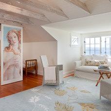 Beach Style Bedroom by ReruchaStudio