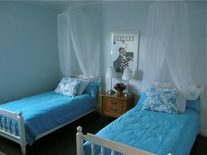 Beach Style Bedroom by Jennifer Hulse Design