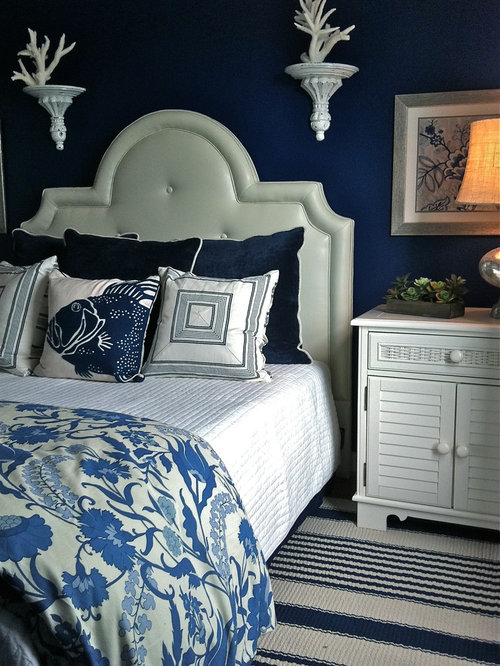 Beach Style Bedroom Idea In Dallas With Blue Walls