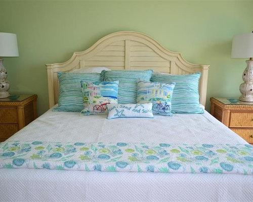 Chambre verte avec un sol en travertin photos et id es for Taille moyenne chambre