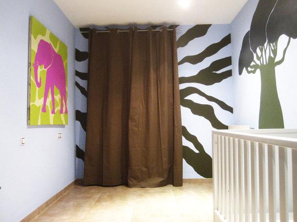 Contemporary Bedroom by IMURI - Pato Paez