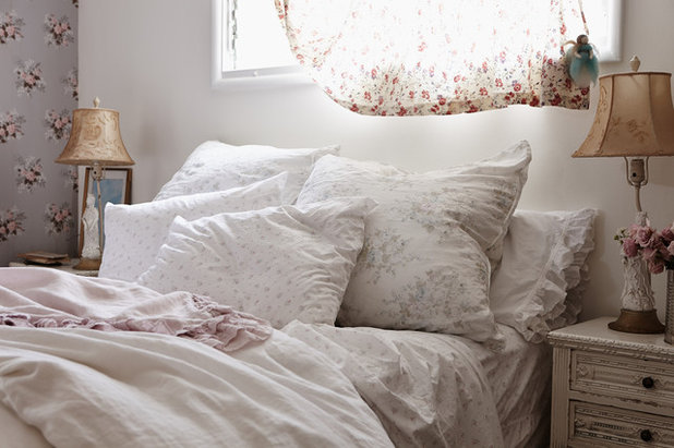Shabby-chic Style Bedroom by Rachel Ashwell Shabby Chic Couture