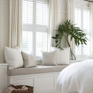 フェニックスのシャビーシック調のおしゃれな寝室のインテリア