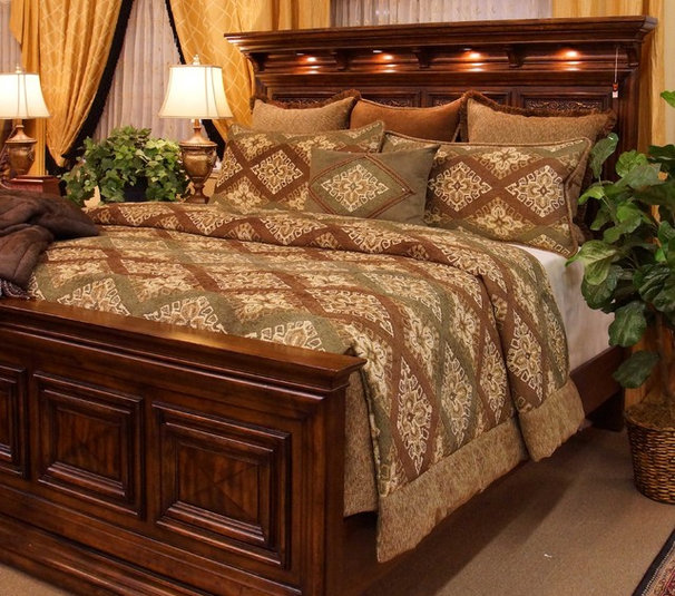 Traditional Quilts And Quilt Sets by K&R Interiors