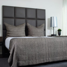 Modern Bedroom by CASA di LINO