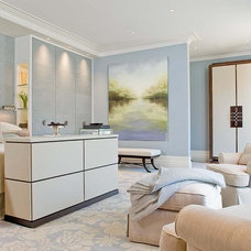 Contemporary Bedroom by Woodmeister Master Builders