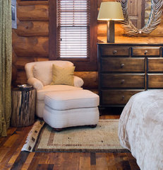 traditional bedroom by Grace Home Design, Inc.