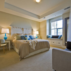 Beach Style Bedroom by Begrand Fast Design Inc.