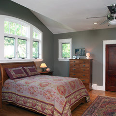 traditional bedroom by Brennan + Company Architects