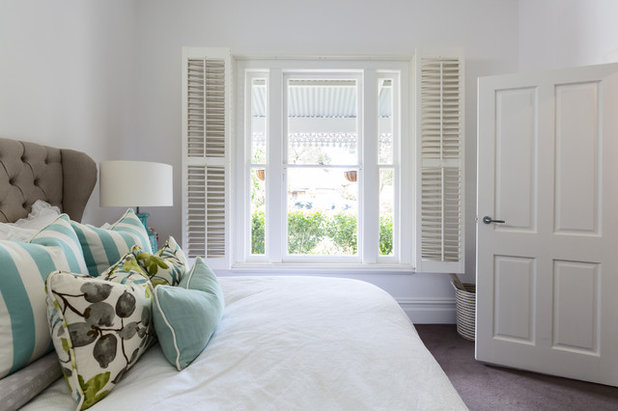 Bedroom Comes Together for a Fan of Hamptons Style
