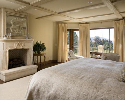 Mediterranean master bedroom design ideas pictures for Mediterranean master bedroom ideas