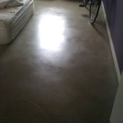 modern bedroom by Vera Decorative Concrete