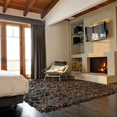 contemporary bedroom by d'apostrophe design, inc.