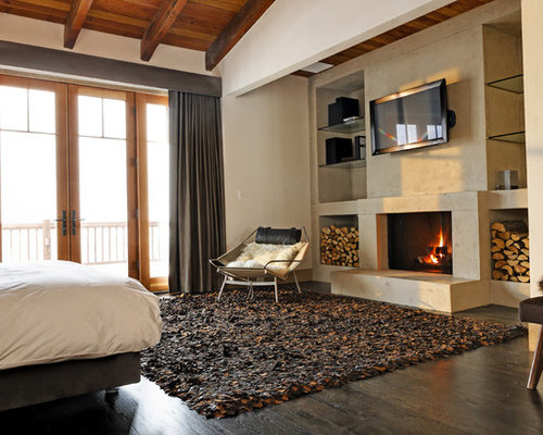 Marvelous Rustic Bedroom Idea In New York With Beige Walls, Dark Wood Floors, A  Standard Part 25