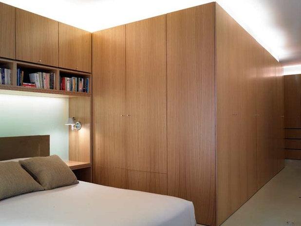 モダン 寝室 by David Churchill - Architectural  Photographer