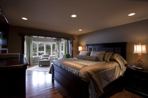 Traditional Bedroom by Designer's Touch