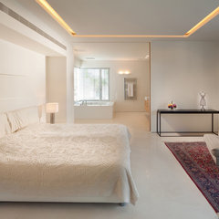 eclectic bedroom by Elad Gonen & Zeev Beech