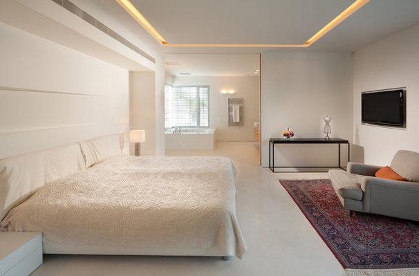 Eclectic Bedroom by Elad Gonen