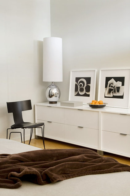 modern bedroom by Eleven Interiors