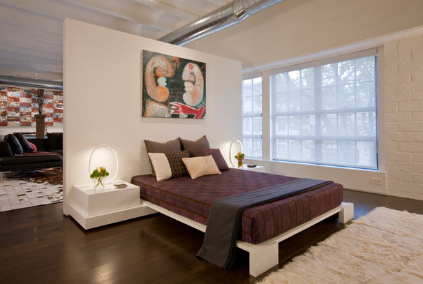 Contemporary Bedroom by Ernesto Santalla PLLC