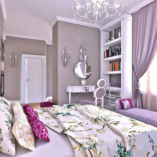 Immagine di una camera da letto eclettica