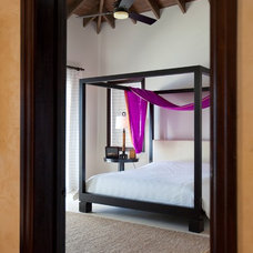 Tropical Bedroom by gne architecture