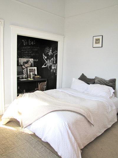 Забрызгала кровать