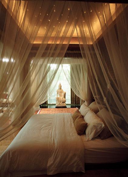 Contemporary Bedroom by Iwan Sastrawiguna Interior Design