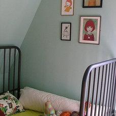 Midcentury Bedroom by Kaylovesvintage