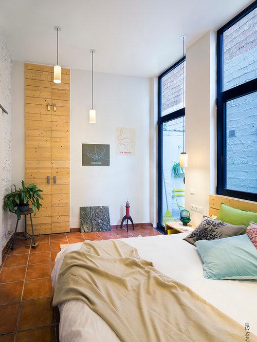 Chambre moderne avec un sol en carreau de terre cuite for Un carreau de terre