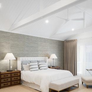 Beach style bedroom in Gold Coast - Tweed.