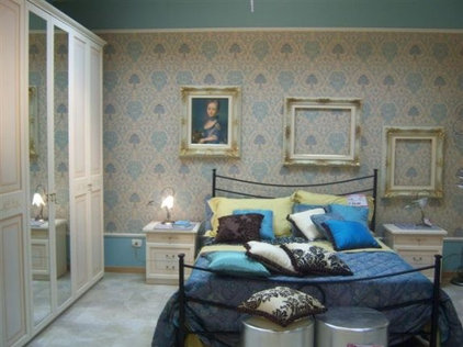 Traditional Bedroom bedroom molding idea from http://www.wallpaperfromthe70s.com/