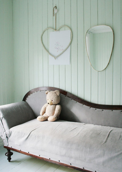 Shabby-chic Style Bedroom by Jeanette Lunde