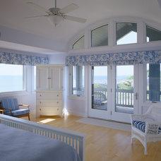 Traditional Bedroom by Polhemus Savery DaSilva